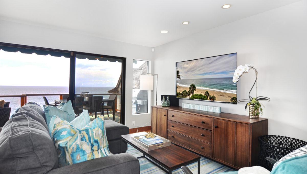31935 Coast Hwy Living Room